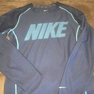 Boys Nike Drifit long sleeve shirt sz small